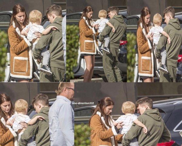 le 10 décembre 2017 - louis à été vus avec son fils dans les bras en compagnie de briana à los angeles
