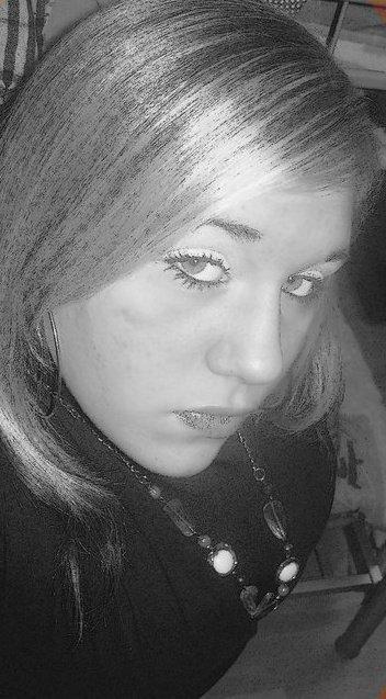 Gaelle; 19 ans Célibataire ...