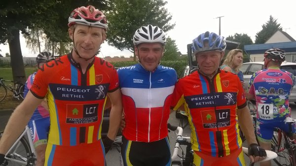 2 PODIUMS A GUIGNICOURT