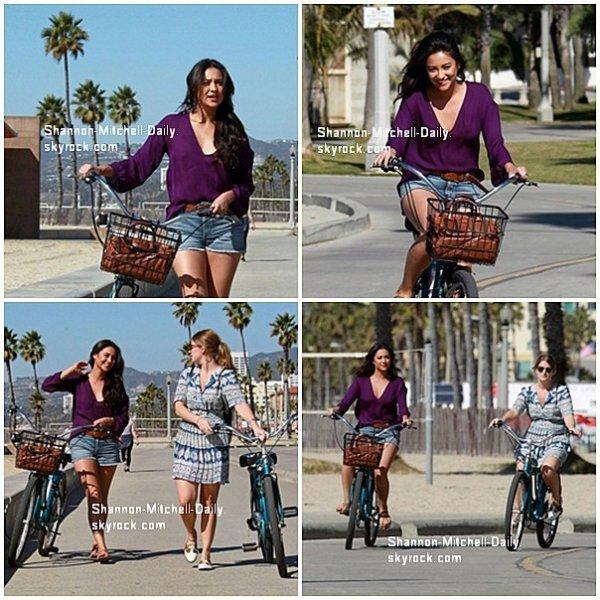 Shay à été vus avec son amie Alex entrain de faire du vélo + Vidéo promotionnelle pour le grand retour de Pretty Little Liars le 02 janvier :)