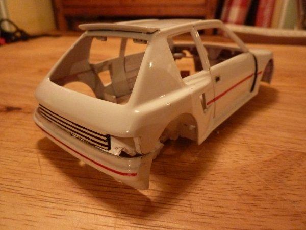 peinture 205 turbo 16 ... miniature !