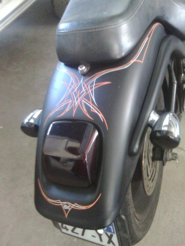 Harley pinstrip