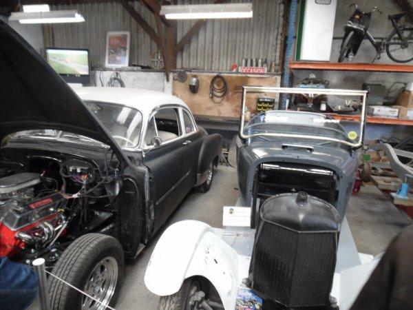 Open garage, Mc coy's speed shop