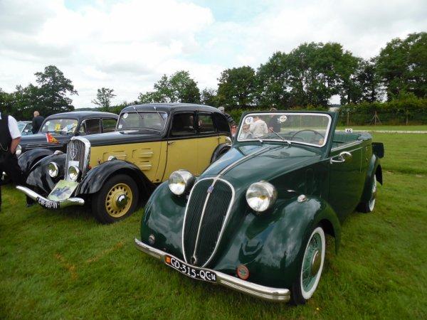 rassemblement de voiture ancienne