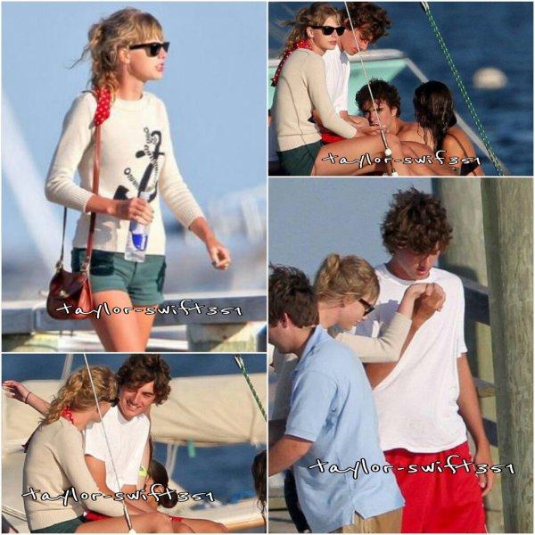 Le 6/08/2012 : La romance entre Taylor et Conor continue en douceur.  Ils ont rejoint une nouvelle fois les amis de ce dernier  pour faire petite virée bateau. Alors vous les trouver comment?  Moi je trouve qu'ils vont bien ensemble.  :-)