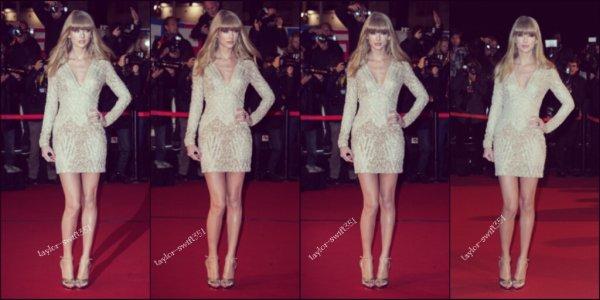 Le 26/1/2013 : Taylor était présente au NRJ Music Awards.  Au cour de la soirée,  Taylor a interpreté Were Are Never Getting Back Together.  Pour moi un top et vous?