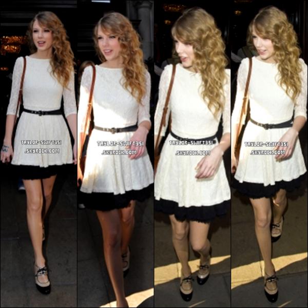 FlashBack :     Le 23/3/2011 : Taylor qui sortait de son Hôtel à Londres.          Tay' est super sublime dans cette robe,  je lui donne un Top et vous?          + IMAGE DU RED TOUR    ICI  ,  ICI  et  ICI  .