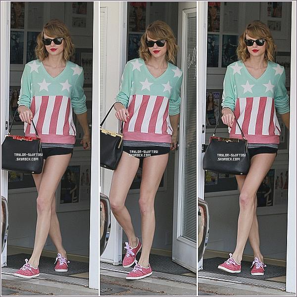 Le 9/03/2014:Taylor et Lorde ont été apreçue dans les rues de New York.  Perso j'adore la tenue de Taylor, je lui donne un Top et vous?