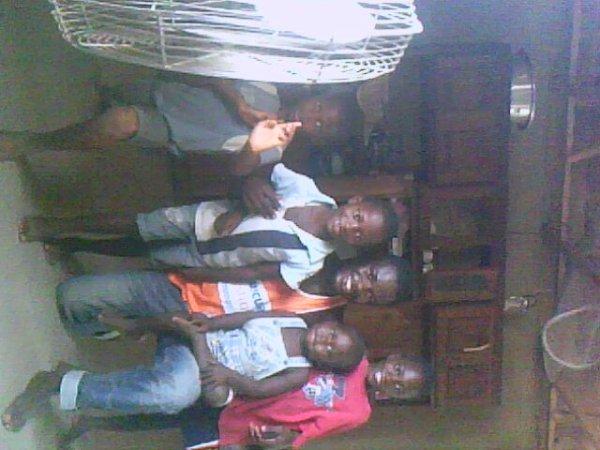 mes cousins et moi au village