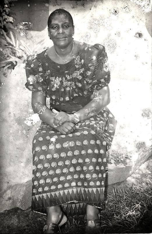 ma grande mère ,vrai beauté africaine  je t'aime forttttttttttttttttttttttttttttttttttttttttttttttttttttt   tof souvenir souvenir