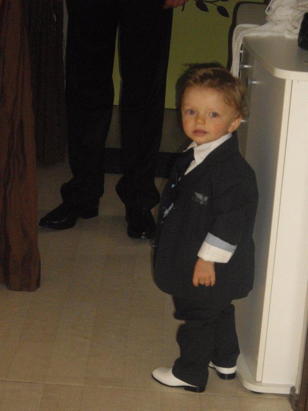 Celuii qui me donne le sourire tout les jour dpui +  1 ans Alexis Ptit frere   09/02/2010 ^^  mon pti homme / Un rêve d accompli / l'une de mes meilleure choses qui me soi arrivé