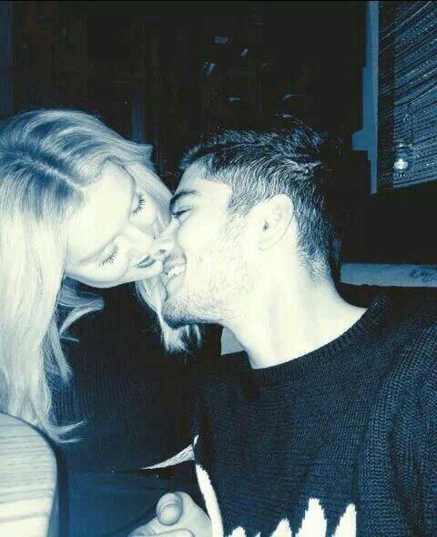 Zayn et Perrie Hier pour La Saint-Valentin 14/02/14 ( ils sont trooooop cute ) ♥♥