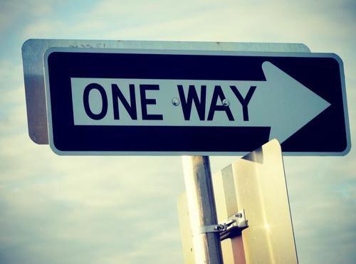 La vie c'est comme un grand parcours aventure. Tu vas surement te perdre ou tomber sur des grands obstacles difficiles à surmonter mais dans le fond ça restera la plus belle chose qui pourra t'arriver.