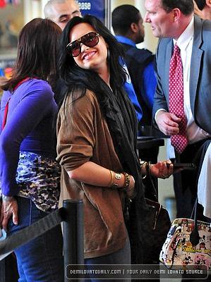 Demi Lovato : Remise de ses désordres psy, elle soutient Catherine Zeta-Jones !
