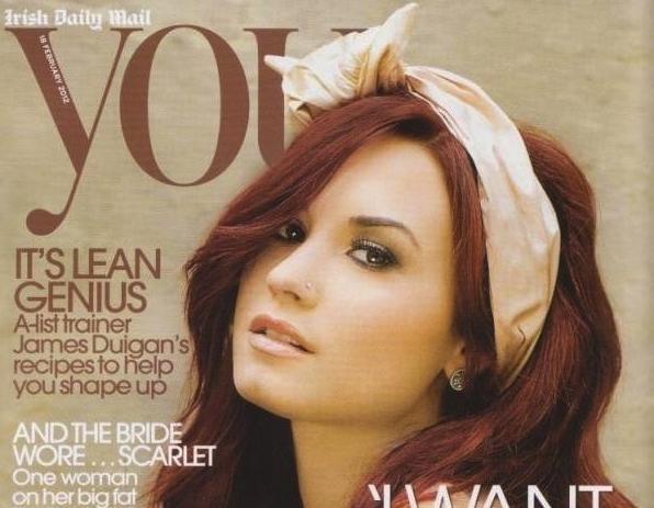 """Look de Demi Lovato : En couverture du magazine Irish Daily Mail """"You"""" numéro de Février 2012"""