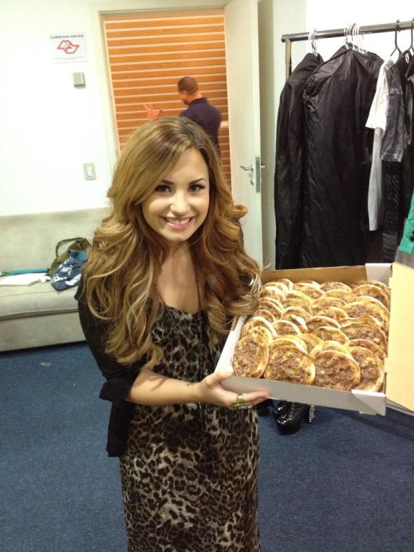 Demi Lovato : elle gâte ses fans !