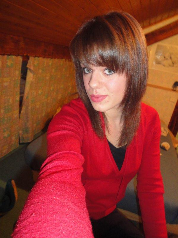 Kimberly . 17 Ans . Voiron ( 38 ) . Travail dans une petite boulangerie :)