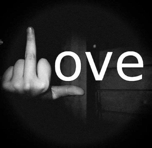 Arrête de faire le désirer ton coeur bat pour elle et tu le sais.