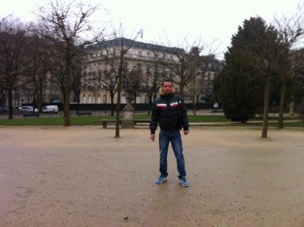 Amine a Paris