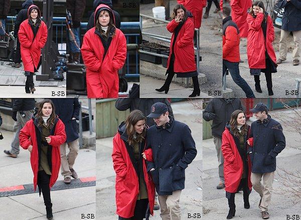 24/03 : Voici des photos de Sophia lors d'une soirée dans Boston avec les membres du cast de la série Hatfields & McCoys.