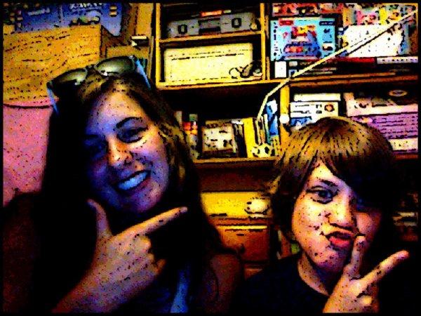 moi et mon petit cousin <3