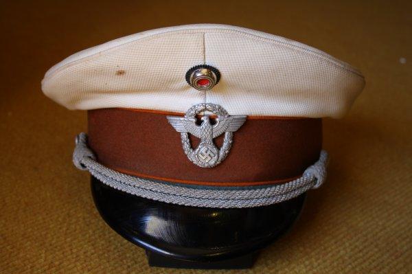 Casquette Allemande 39/45 de la polizei.