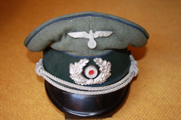 Casquette Allemande Formations sanitaires et medecins officiers (1921-1945)