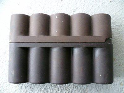 Boite pour relais d'allumeur de fusée d'obus Allemande.