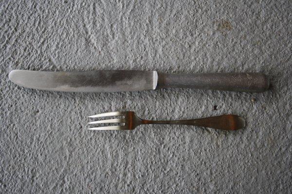 Fourchette et couteau Allemand.