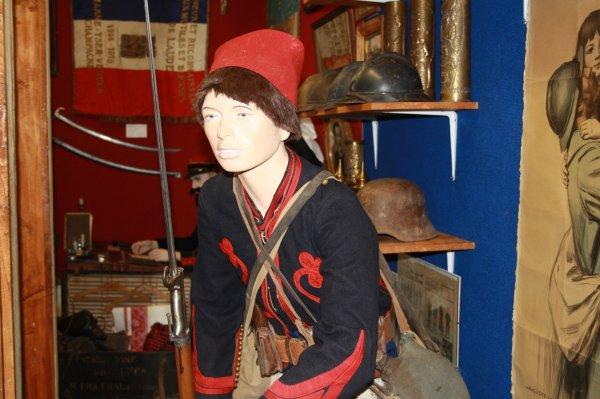 Nouveau: mannequin du 3eme Régiment de Zouave pendant la première Guerre Mondial.