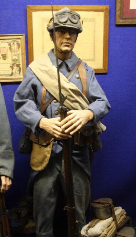 Nouveau: mannequin Français première Guerre. (Désolé pour la qualité des photos)