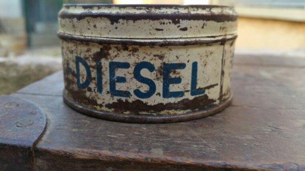 Caisse Camo et boîte pour moteur Diesel.