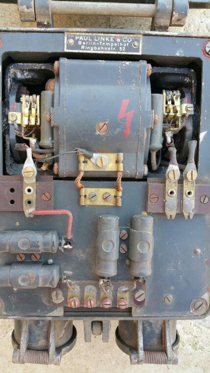 Sende empfänger einanker umformer SEUa1  ( Convertisseur radio pour véhicule )