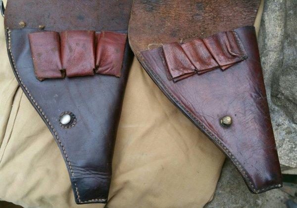 Pantalon de 1913 colonial, ceinturon 1er modèle TDM, 2 casques colonial et 2 étuis pour le 92. ( sortie de vide grenier )