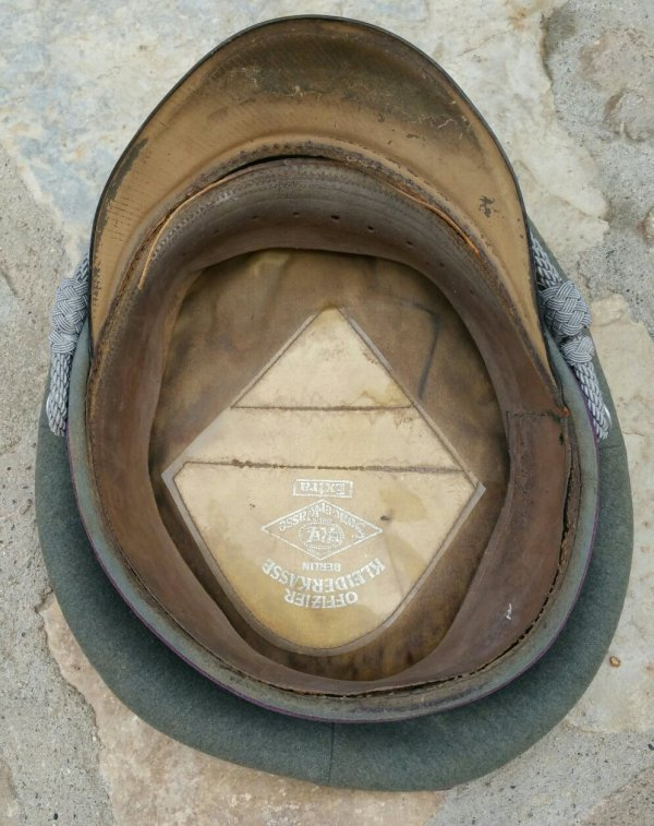 Casquette d'aumônier Allemande WW2 . ( jus grenier )