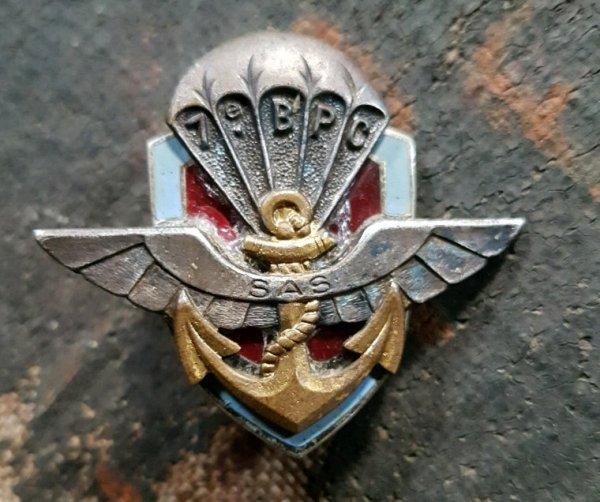 Insigne du 7ème Bataillons parachutistes coloniaux  ( don de mon ami Raynald ).