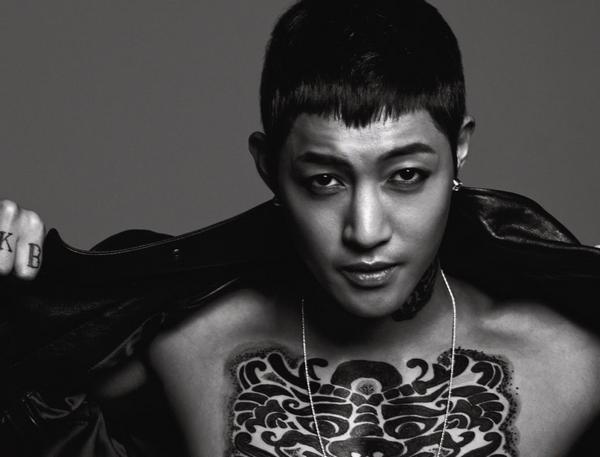 Kim Hyun Joong - Unbreakable (feat. Jay Park) ~ Ya I'm Unbreakable Here We Go,  Eolssigu jeolssigu jal deureoganda Jeolssigu eolssigo jal doraganda Jukjido anhgo I'm Back 4 ya Unbreakable ♪