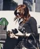 24/02/13 : Chloë a Los Angeles allant chez un vendeur de Yaourt