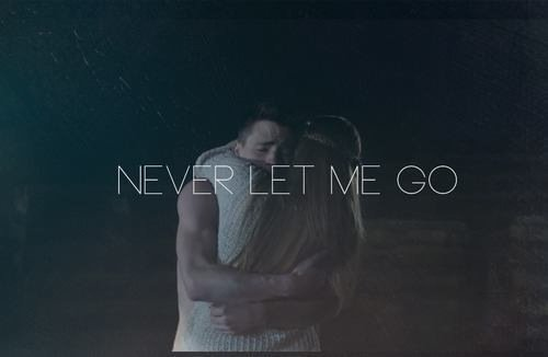Je ne veux que toi dans ma vie, je ne vis que par toi ..