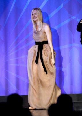 20/04/2013 Elle Fanning arrive aux 24ème Récompenses Médiatiques GLAAD Annuelles à Los Angeles