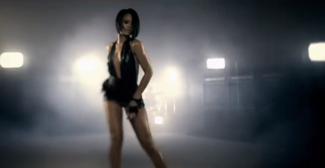ANALYSE DE CLIP N° 1 : Rihanna - Umbrella - Chanson sexy ou rituel satanique?