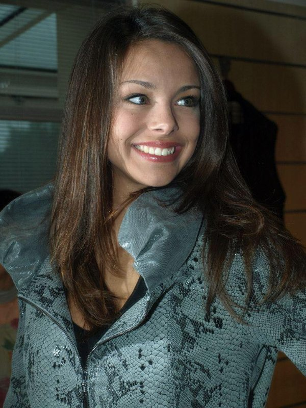 29/09/12 Miss Bourgogne est  Marine Lorphelin