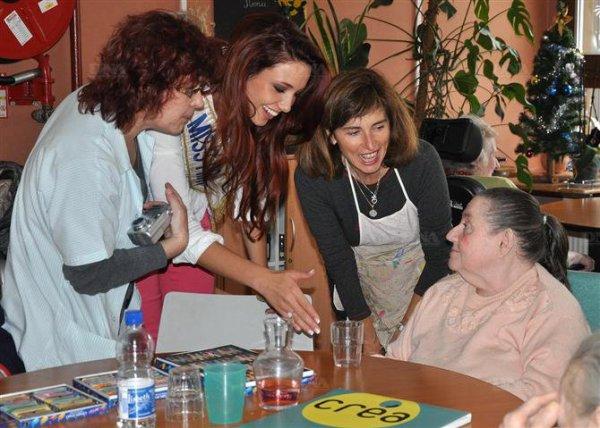 25/12/2012 : Laury Thilleman - Delphine Wespiser