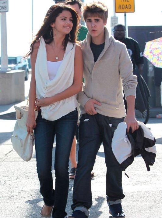 Les fans de Justin Bieber souhaitent la mort de Selena Gomez !