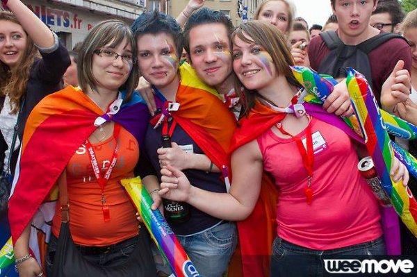 """Tout est plus """"Gay"""" entre amis ! :)"""