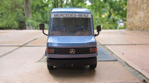 Mercedes Benz 1620 fourgon suite et fin ?