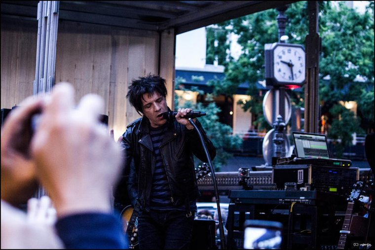 Avant-Première Black City Parade Le Film - INDOCHINE - Paris - 23/06/13 (2/4)