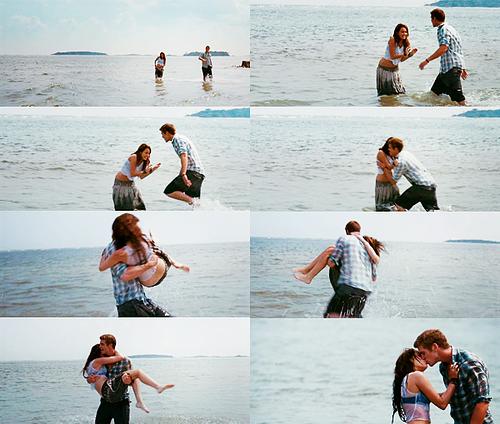 - Il y a des moments dont tu te souviendras toute ta vie.♡   - Il y aura des tas de garçons qui essayeront de prendre ta place, et je ne sais même pas si je serais capable de la leur laisser. -