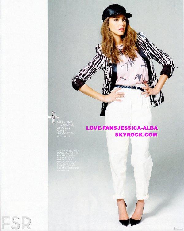 Jessica est sur la couverture du numéro de Mars du magazine Nylon .