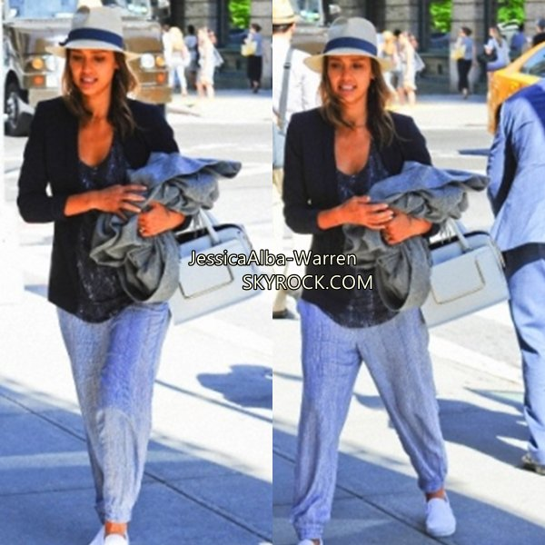 Jessica a été vu en train de prendre un  mélange de fruits pour le petit déjeuner à macrobiotique à Los Angeles sur Juin 13 .